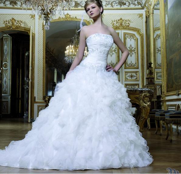 8dde9cd0a12ba الموضة   فساتين زفاف ولا أروع .. تجعلك أميرة ليلة زفافك